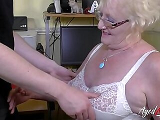 Hot mature lady got seduced undisguised and fucked