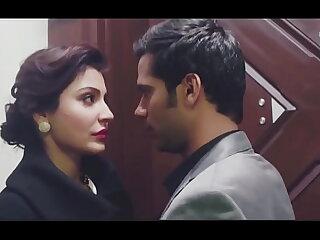 Bollywood actress hot kiss 40